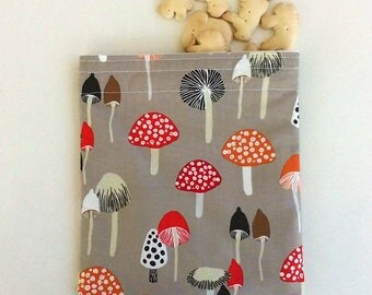 Reusable Snack Bag, Sandwich Bag with woodland Mushrooms, fairytale mushrooms, Waste free lunch