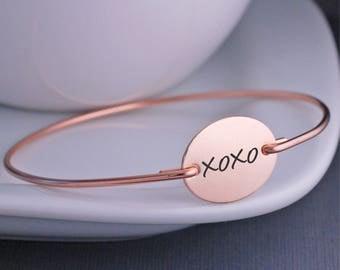 Custom XO Jewelry, Wedding Day Bracelet, XOXO Hugs and Kisses Bangle Bracelet, Anniversary Gift For Wife, Gift for Girlfriend