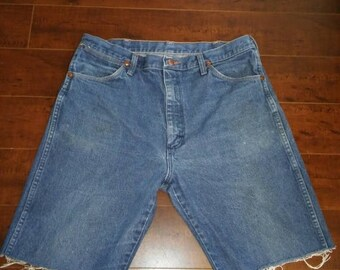 Closing shop SALE 40% off Wrangler Jean shorts cut offs  W Waist 35 X 10