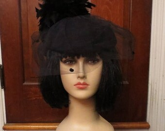 30% OFF Vintage 1940's Black Wool Doeskin Hat Feathers and Veil