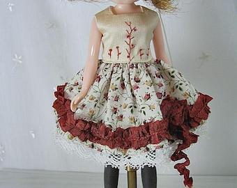 Blythe Doll Dress,  Blythe Dress. Cream Floral