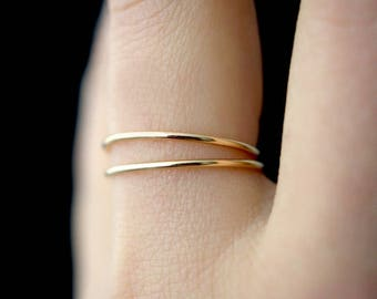 SOLID Gold Set of 2 Medium Thickness stacking rings, thin gold stacking rings, 14k gold ring, hammered gold stack rings, smooth gold rings