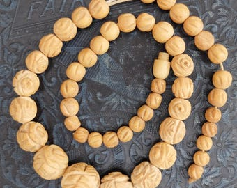 Vintage AS IS Necklace Carved Bone Beads Graduated Sizes