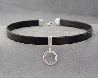 Leather collar, Dangling o-ring Black Leather choker, Choker necklace, bdsm gift day collar, submissive day collar, Chocker