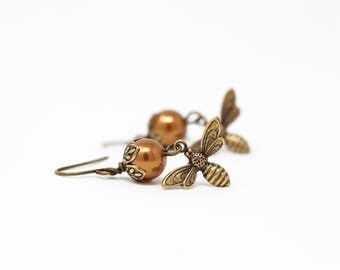 Pearl Bee Earrings - Copper Pearl Earrings - Bumble Bee - Nature Jewelry - Dangle Earrings - Bee Jewelry - gift For Woman