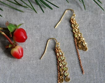 Tiny gold dotted chain dangle earrings,gold dangle earrings,elegant earrings,boho earrings,modern earrings,holiday earrings,gold earrings