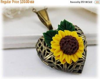 30% OFF SUMMER SALE Sunflower Heart Locket - Locket Jewelry