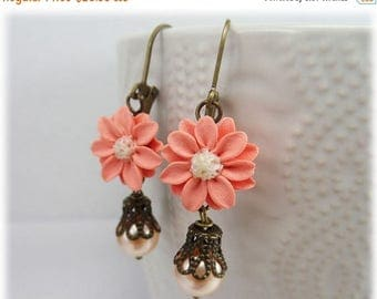 30% OFF SUMMER SALE Vintage Style Coral Flower Earrings