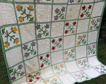 Vintage Well Loved Flower Floral TuliApplique Cutter Quilt