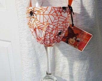 Halloween Wine Glass Holder Necklace, Hands Free Wine Holder,Orange Spider Web Fabric,Party Favor, Halloween Party Host Gift