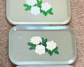 VINTAGE SERVING TRAYS,  metal mid century, floral, shabby chic, picnic, patio,
