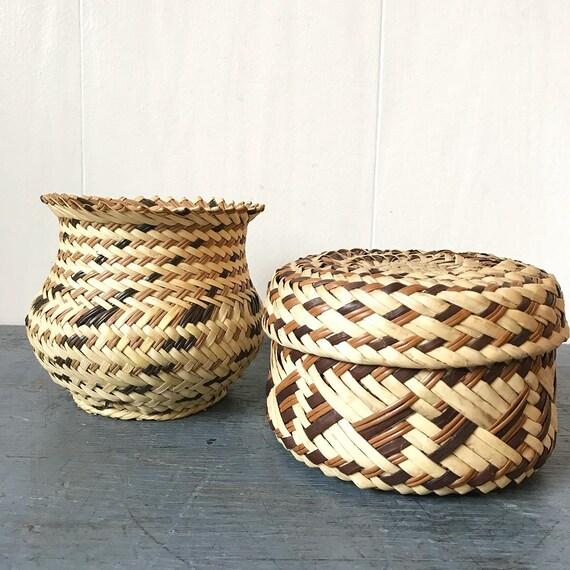 hand woven Mexican Tarahumara basket - woven yucca vase - round lidded basket - boho home decor