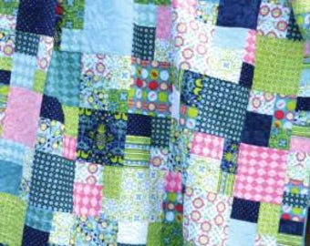 Megabits Quilt Pattern#SGD010 by Susan Emory of Swirly Girls Design Company Fat Quarter  Friendly