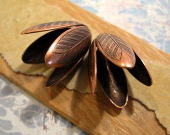 14mm Grande Leaf Bead Caps in Antique Copper by Nunn Design - 2 Count