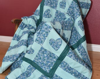 Homemade Quilt - Twin Size Quilt - cabin quilt - camper quilt - bed cover -cozy - hand tied - throw quilt - cabin quilt -picnic quilt