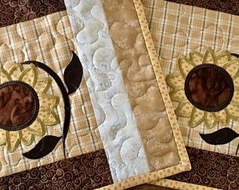 Quilted SUNFLOWER  Placemats . . . Applique Design . . . Golden Yellow and  Brown . . . Mid Summer Blooms