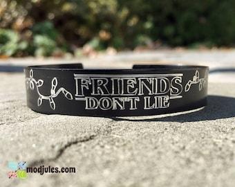 Friends Don't Lie Bracelet, Friendship Bracelet, Besties Bracelet, Friends Jewelry, Engraved Black Cuff Bracelet, Gift for Teen, Fan Gift