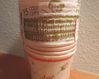 Vtg Valentines Day paper cups / vintage 1950s cold cups / Candy cups / Treat cups / holiday party cups new old stock