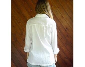 20% off SUMMER SALE. . . Perfect White Cotton Button Down Shirt - Vintage 90s - S/M