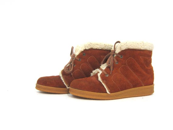 Vintage 1970s Eskimo Boots Sherpa Fleece Lined Leather Suede Snow Boots Retro Ankle SnowBoots Boho Chunky Lace Up Booties Womens 7.5