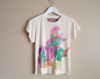 Hand Painted Natural Bamboo Jersey T-shirt with Original Artwork. My little Pony Halloweeen Witch. Metallic Pink. Cute 80s Cartoons. Vintage