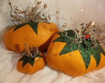 Wool Felt Pumpkin~Handmade Wool Pumpkin~Felted Harvest Pumpkin~Decorative Felted Pumpkin~Minature Pumpkin~Pumpkin Pin Cushion