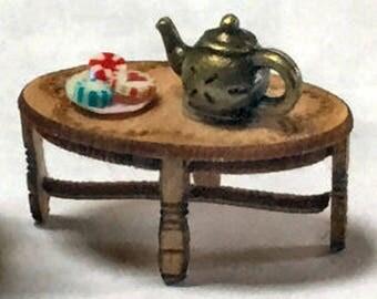 Quarter Inch Scale Georgian Miniature Coffee Table Dollhouse Furniture Kit.