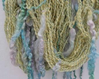 Hand spun  yarn. Art yarn.  Art crazy yarn. Lockspun. Teeswater wool. Alpaca yarn Bulky. Siberian icicles.