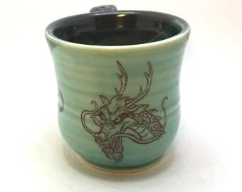 Green and Black Dragon Head Tea Cup