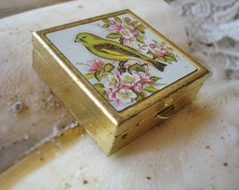 Vintage pill box, Vintage pill box with porcelain lid, Vintage bird pill box, Vintage French pill box, Vintage canary pill box, vintage box