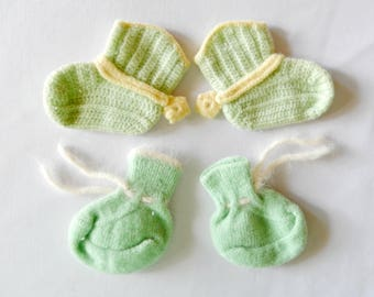 vintage baby booties, hand knit, green, soft, warm, baby boy, baby girl, baby gift, baby shower