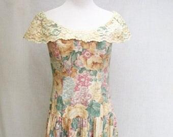 SALE 80s LANZ Floral Dress size Small Lace Collar Off Shoulder Dress