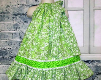 SALE Free Ship! Girls Dress 2T/3T Green Buttons Flower Pillowcase Dress, Pillow Case Dress, Sundress, Boutique Dress