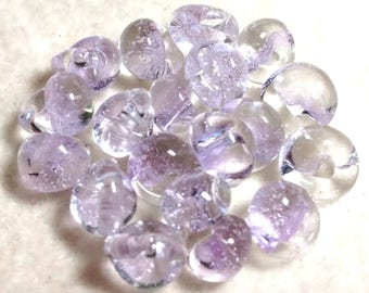 Unicorne Teardrop, Boro Glass, Color: Barely Violet, Strand of 10 beads