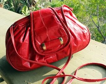Vintage Red Croc-Embossed Genuine Leather Cross Body Purse/ vintage 1980s bag