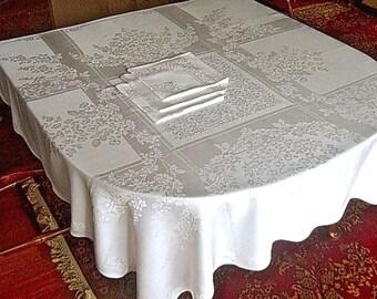 DAMASK Tablecloth Vintage Bone WHITE Blended Cloth Slick Garden Square & Napkins