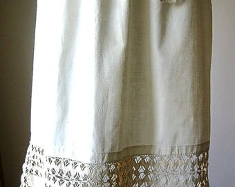 APRON Kitchen Skirt Bottom Cover PINAFORE Vintage VERY Old Antique Lace Trim