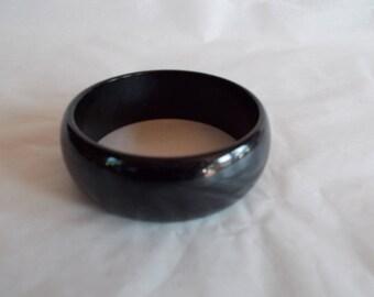 Vintage Black Plastic Bangle Bracelet //44