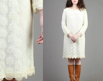 vintage 60s FLORAL SCALLOPED LACE mod shift dress size medium M / scooter cocktail party wedding midi dress 1960s