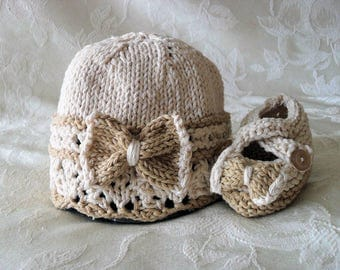 Hand Knitted Bow Cloche and Matching Bow Booties Lace Baby Cloche Knitted Bow Baby Beanie Knitting Newborn Baby Hat Children Clothing