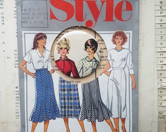 Vintage Dressmaking Pattern Pin - Sewing Pattern Buttonback Pin - OOAK - Dressmaker - Retro Fashion - Not Copies - Sisters - Greetings Card