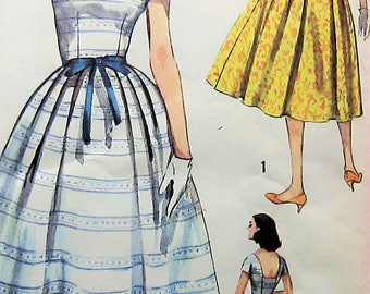Vintage Dress Sewing Pattern Simplicity 2492 Size 18 Plus Size