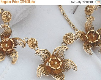 CIJ SALE Christmas JULY Beautiful Silver Gold Filigree Flower Vintage Necklace
