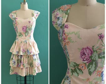 90's peach floral dress //  tiered ruffle skirt  dress // pastel summer dress ~ medium large