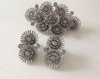 Vintage Brooch  With Clip On Earrings ~ Silver And Light Blue Costume Jewelry ~ Gift For  Her ~ Vintage Jewelry Set ~ Retro Design ~