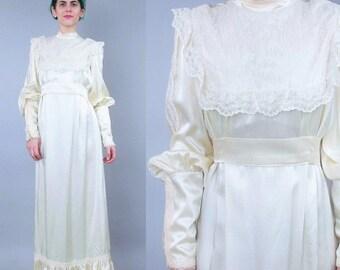 25% off Summer SALE GUNNE SAX 1970s Wedding Dress Vintage Long Sleeve Wedding Gown Empire Waist Cream Satin Lace Bib Yoke Victorian Bohemian