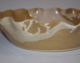 Ceramic Pie Plate, Pottery Pie Dish, Ceramics and Pottery, Pottery Handmade, White and Gold