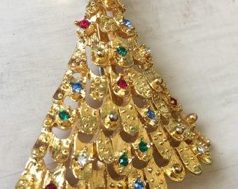 Beautiful Vintage 1960's Bumpy Gold tone Christmas Tree with Rhinestone Ornaments Brooch Pin