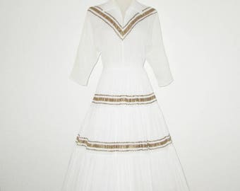 Vintage 1950s Patio Squaw Dress / 50s White Off-White Squaw Dress With Rick Rack Trim - Size SX, S