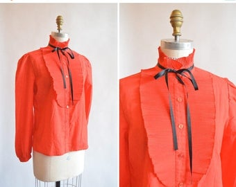 25% off Storewide // Vintage 1970s RUFFLED blouse